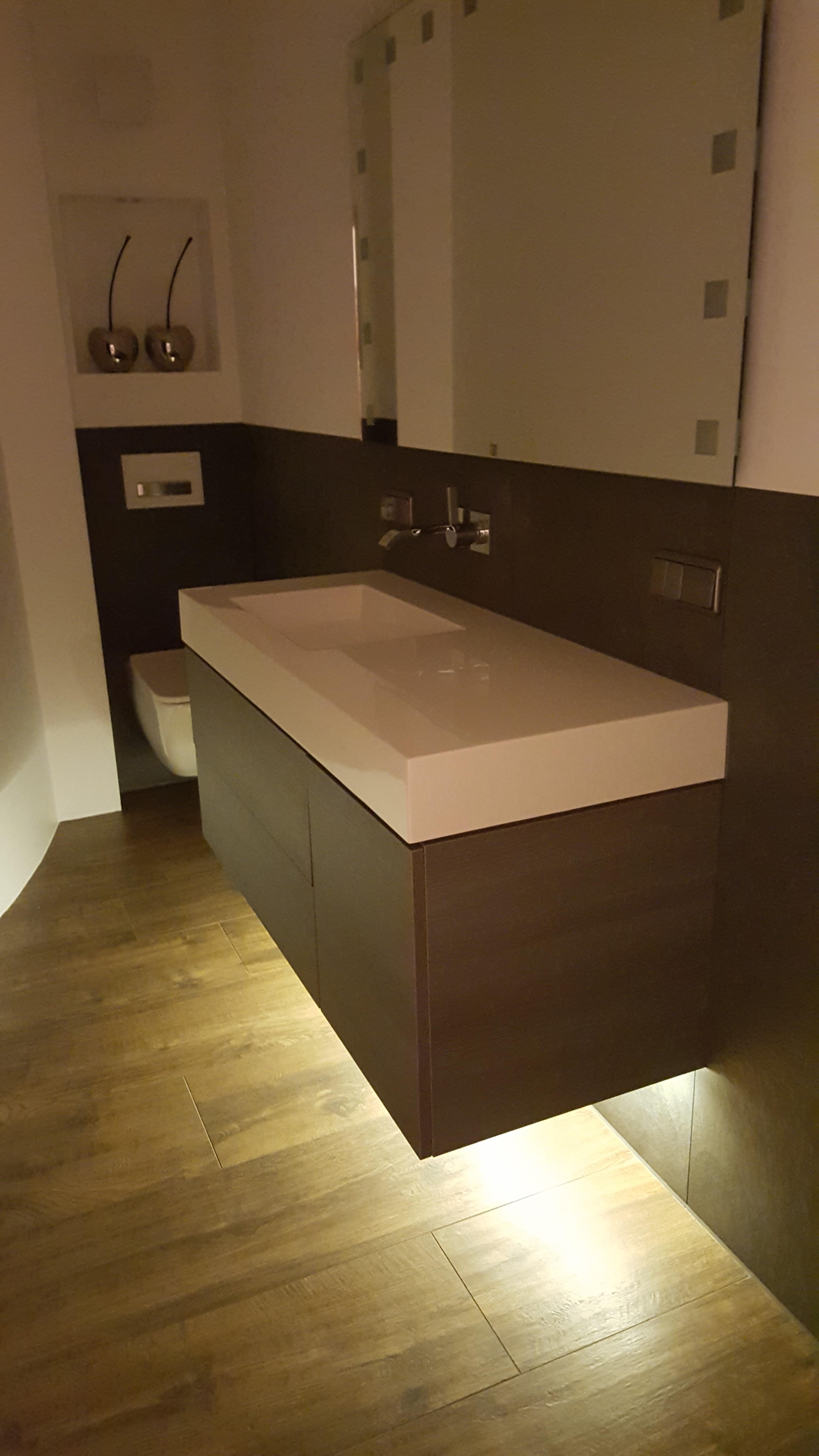 Neues Waschbecken